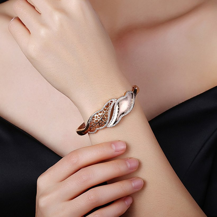 Wholesale Leaves to hollow out Champagne Gold CZ Bangle TGGPBL052 0