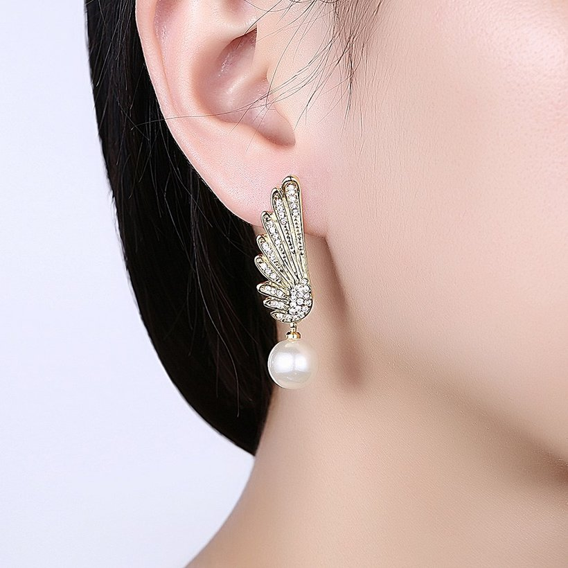 Wholesale Classic Gold Christmas Wing Stud Earring Fashion Ladies Simple Asymmetric Angel Wings Pearls Drop woman Earrings TGGPE282 0