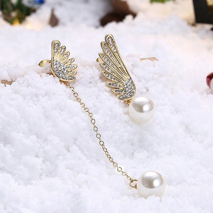 Wholesale Classic Gold Christmas Wing Stud Earring Fashion Ladies Simple Asymmetric Angel Wings Pearls Drop woman Earrings TGGPE282 2