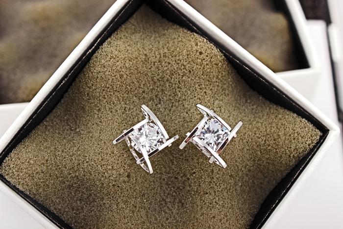 Wholesale Women's earrings 2020  new jewelry geometric hollow square triangle zircon earring Europe fashion banquet jewelry VGE044 0