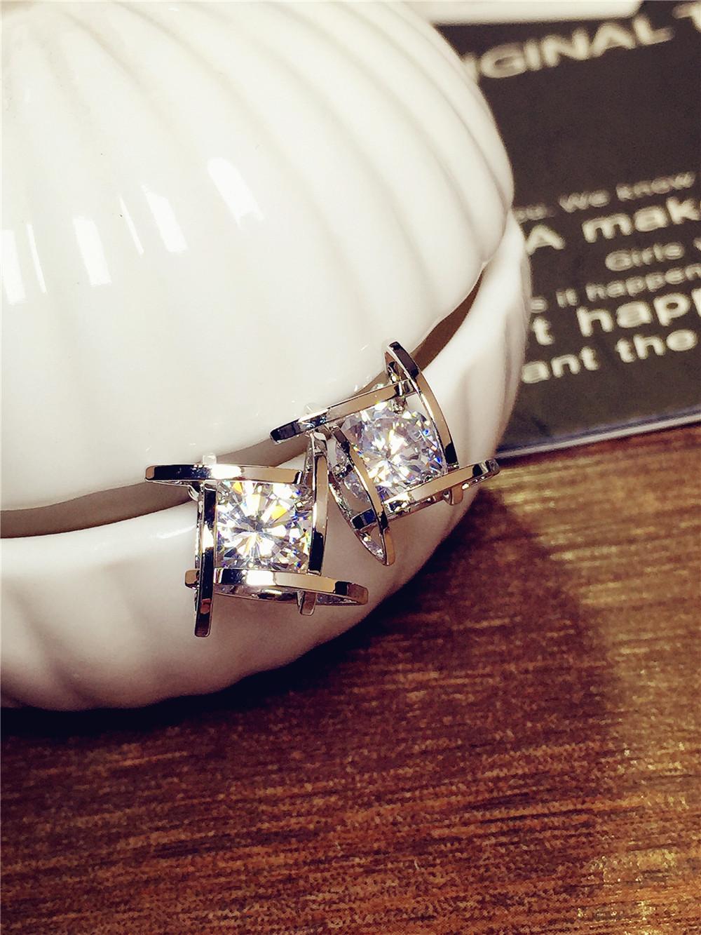 Wholesale Women's earrings 2020  new jewelry geometric hollow square triangle zircon earring Europe fashion banquet jewelry VGE044 1