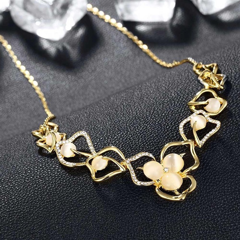 Wholesale Romantic 18K Gold Plated Rhinestone Necklace Flower Pendant Chains Link Necklaces Female Accessories Fashion Jewelry TGGPN430 4