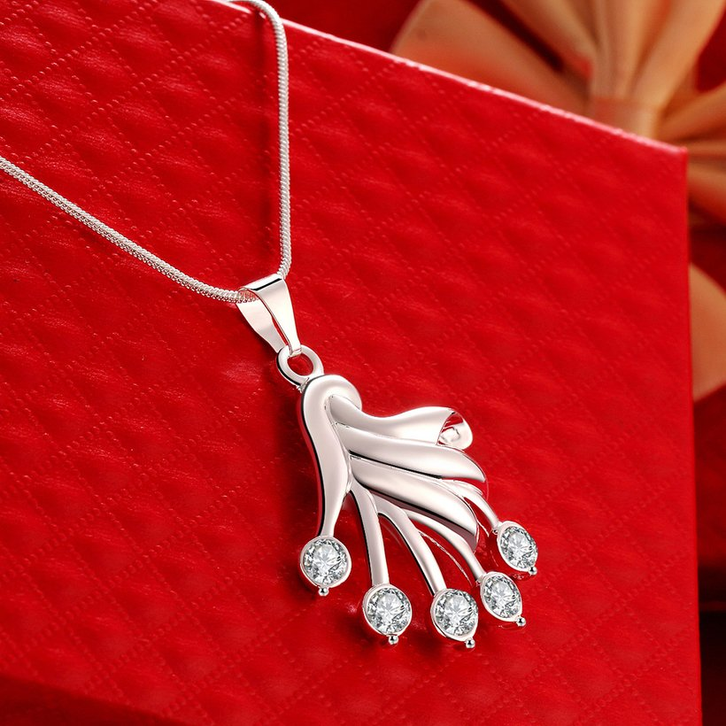 Wholesale Trendy Silver Fan Crystal Necklace TGSPN414 2