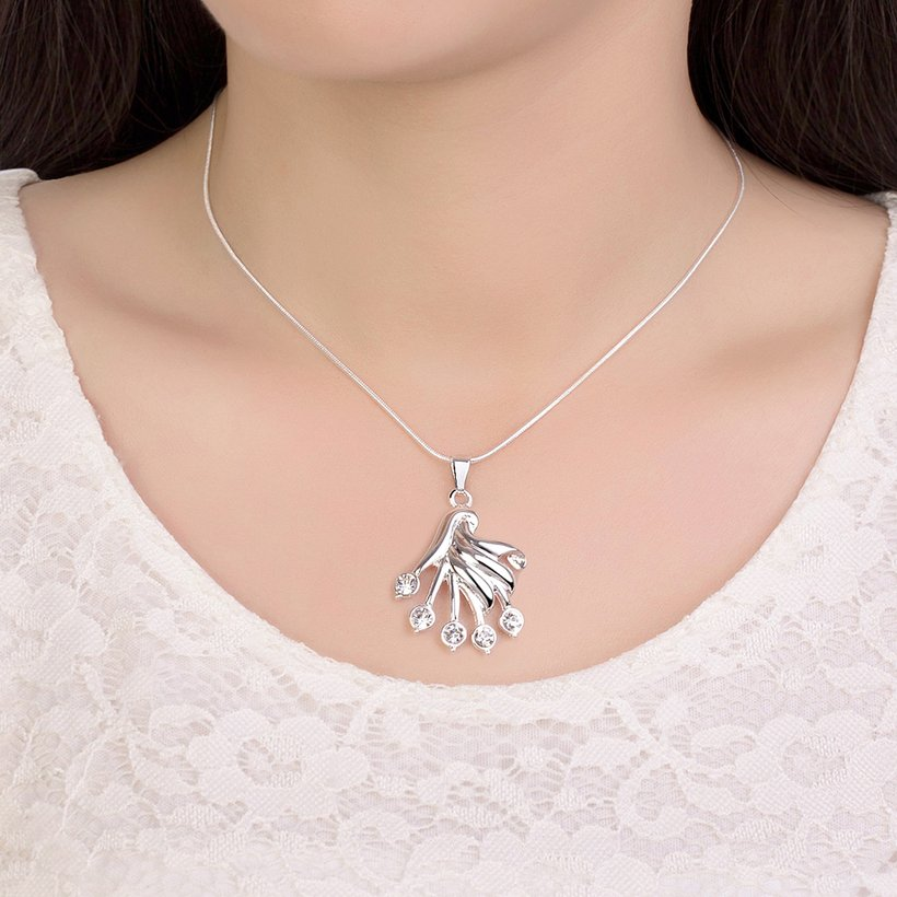 Wholesale Trendy Silver Fan Crystal Necklace TGSPN414 3