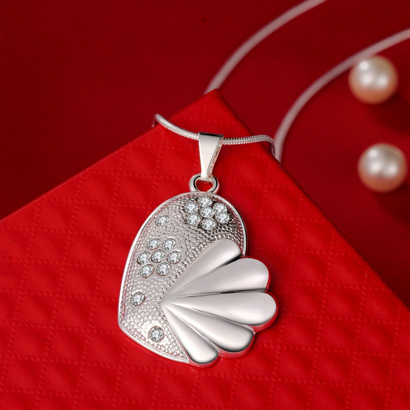 Wholesale Trendy Silver Fish Crystal Necklace TGSPN449 2