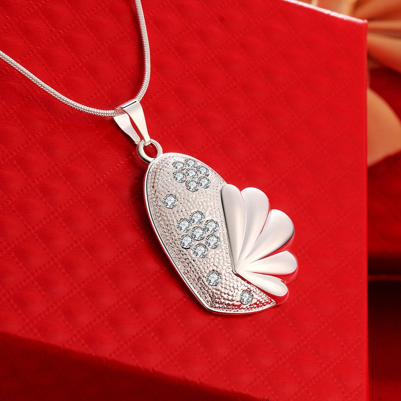 Wholesale Trendy Silver Fish Crystal Necklace TGSPN449 3
