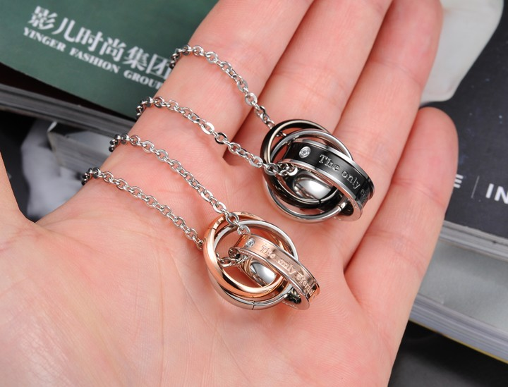 Wholesale Hot selling fashion stainless steel couples Necklace TGSTN125 1