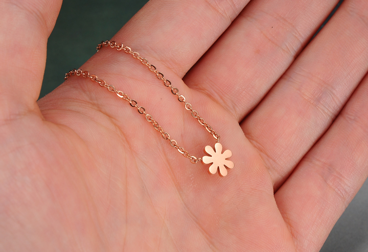 Wholesale Fashion elegant stainless steel rose gold plating daisy Necklace TGSTN128 3