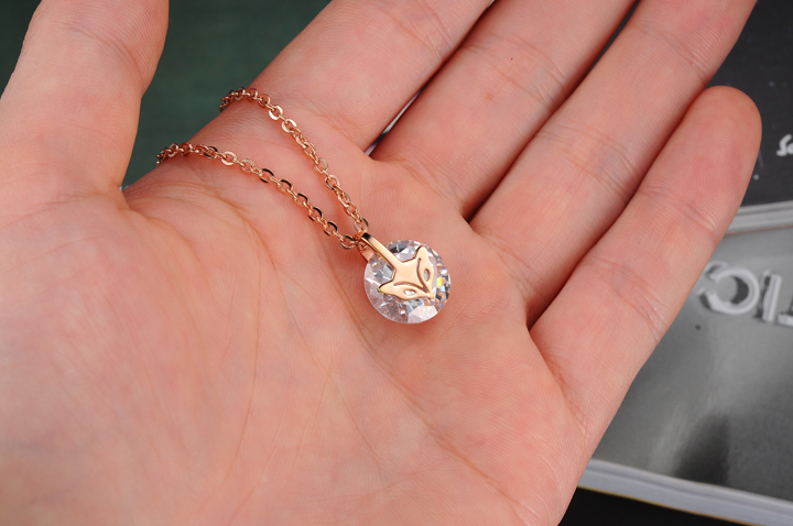 Wholesale Fashion stainless steel CZ elegant fox Necklace TGSTN129 1