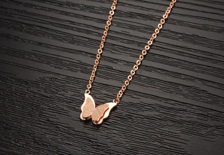Wholesale Hot selling fashion jewelry stainless steel butterfly Necklace TGSTN131 2