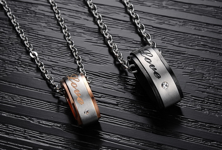 Wholesale Hot selling fashion stainless steel couples Necklace TGSTN120 2