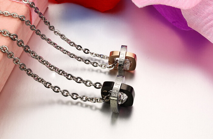 Wholesale Fashion jewelry Stainless Steel Couples Pendants TGSTN055 1