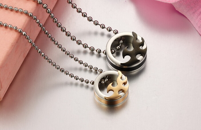 Wholesale 2018 New Style Fashion Stainless Steel Couples PendantsLover TGSTN083 1