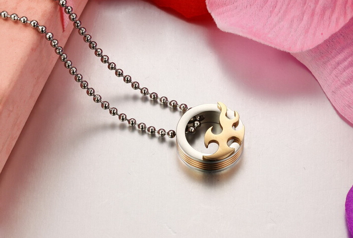 Wholesale 2018 New Style Fashion Stainless Steel Couples PendantsLover TGSTN083 5