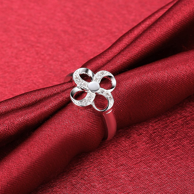 Wholesale Hot selling Ladies Ring four leaf Flower Crystal zircon Ring For Women Fashion Glamour Engagement Ring Jewelry Accessories TGSPR522 2