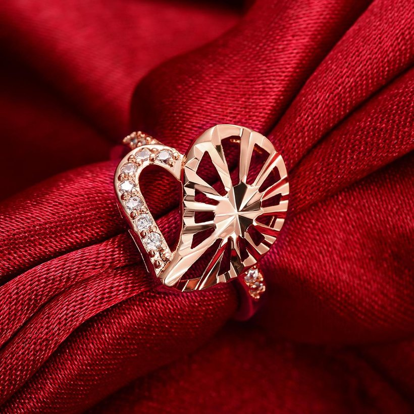 Wholesale Trendy Rose Gold Heart White CZ Ring TGGPR1385 1