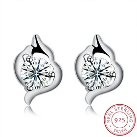 Hot wholesale jewelry Fashion romantic 925 Sterling Silver Stud Earrings High Quality Woman Jewelry cute shiny Zircon Earrings