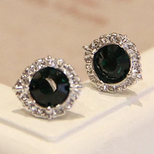 Wholesale Fashion Female Circle stud earrings synthetic emerald  Vintage Earrings Wedding jewelry For Women VGE038
