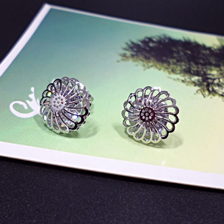Wholesale New Arrival Jewelry hollowed-out  Flower Zircon Crystal Stud Earrings for Women Girl VGE047 0