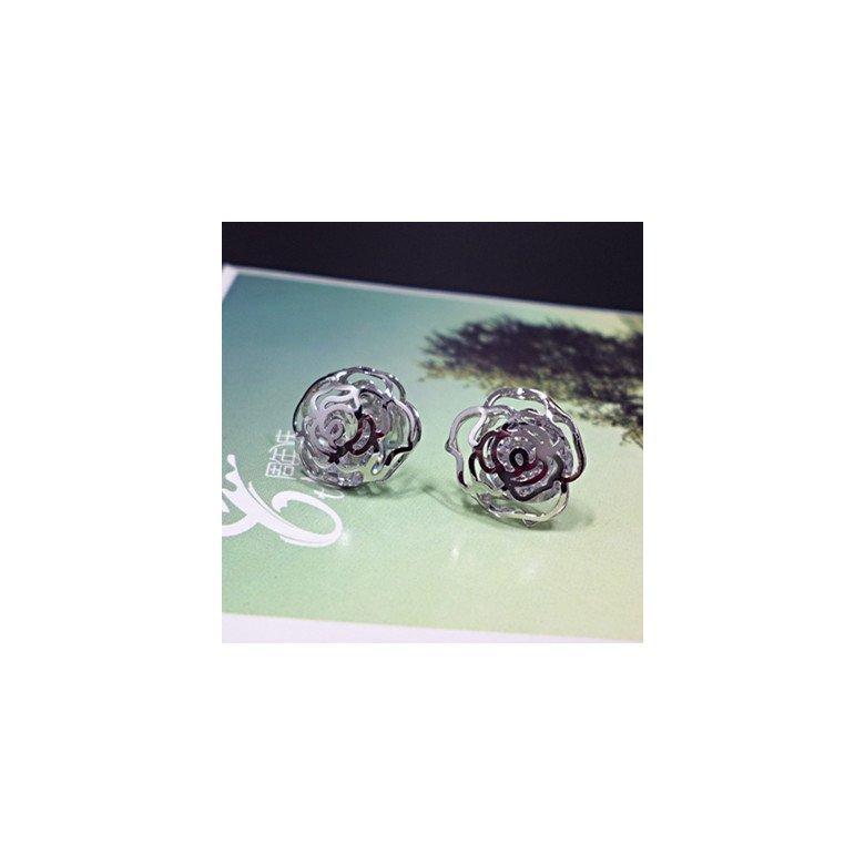 Wholesale New Arrival Jewelry hollowed-out  Flower Zircon Crystal Stud Earrings for Women Girl VGE047