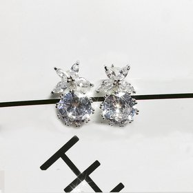 Wholesale Fashion Cute Exquisite Flower Crystal Earings White Zircon For Women Jewelry Wedding Party Gifts VGE089