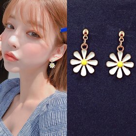 Wholesale Fashion Sweet Little Daisy Stud Earrings Accessories Resin Chrysanthemum Crystal Geometric Flowers Earrings for Women Jewelry VGE144