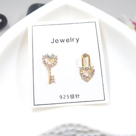 Wholesale Fashion Jewelry Personality Simple Asymmetric Cute Mini Key Lock Heart Earrings Crystal Earrings Women Elegant Earrings VGE169